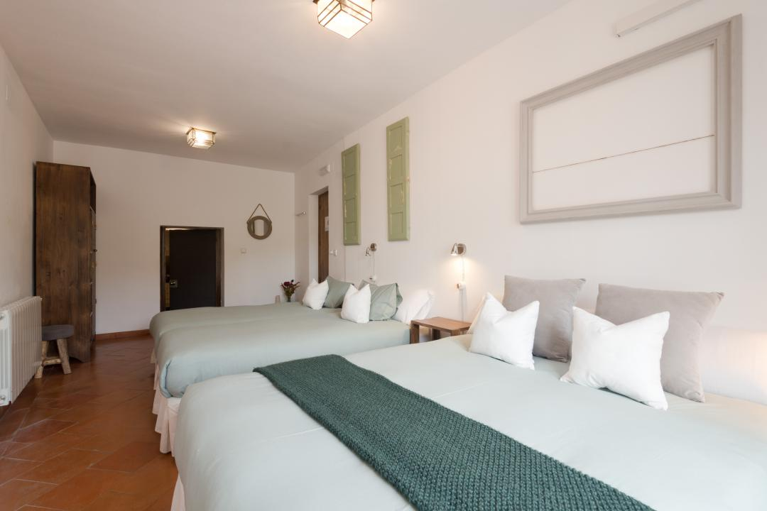Casa Bombo - Quadruple Room with Private Bathroom and Views of the Alhambra
